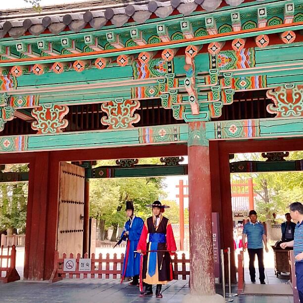 慶基殿(キョンギジョン)入り口