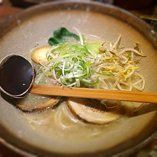 麺屋三代目とんこつラーメン