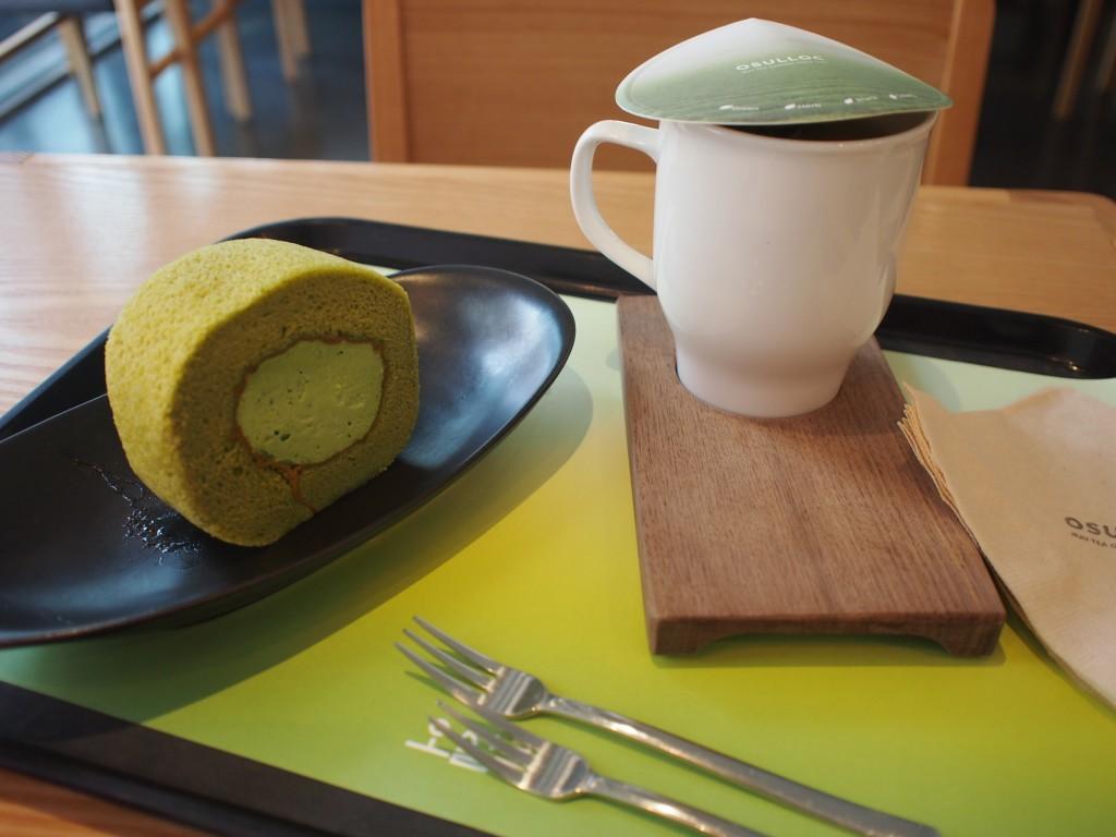 OSULLOC、ケーキとお茶