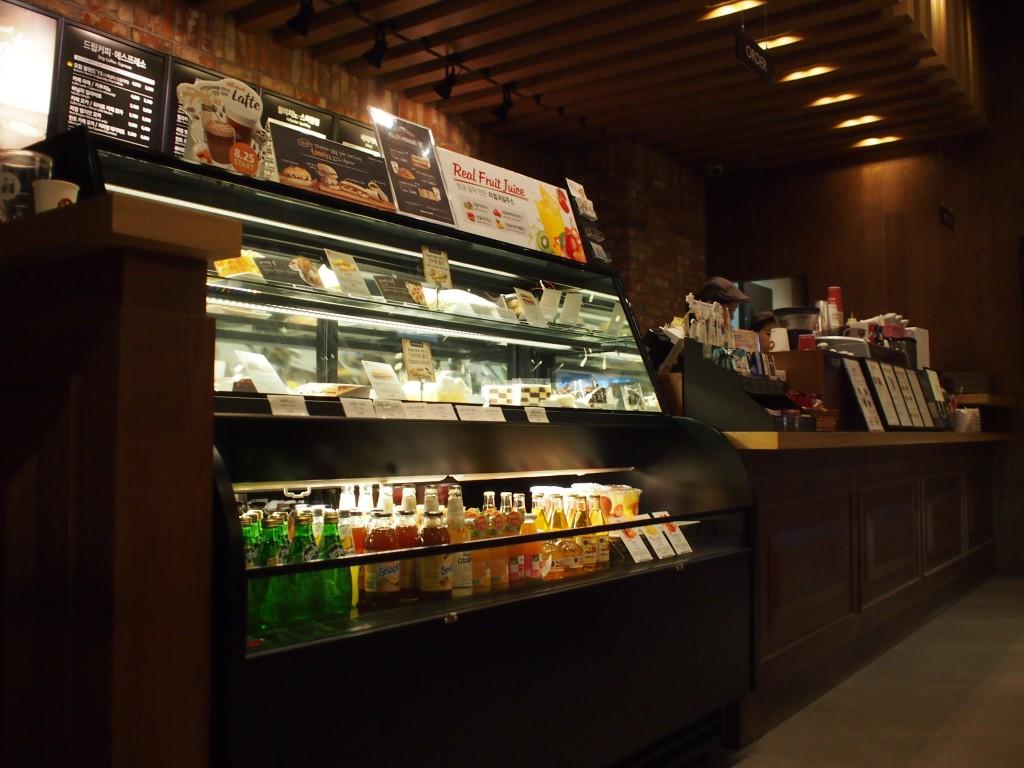 Hollys Coffeeカウンター