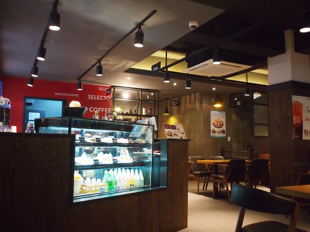 SELECTO COFFEE店内