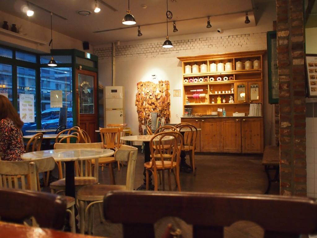Cafe MAMAS店内
