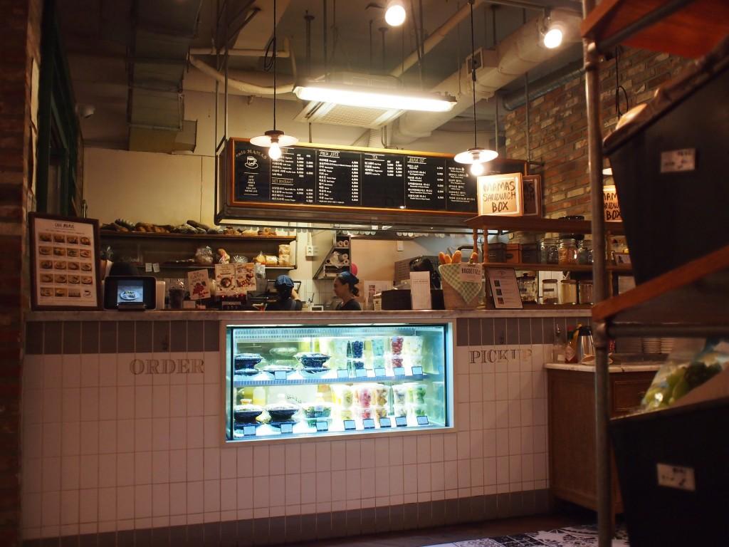 Cafe MAMASカウンター