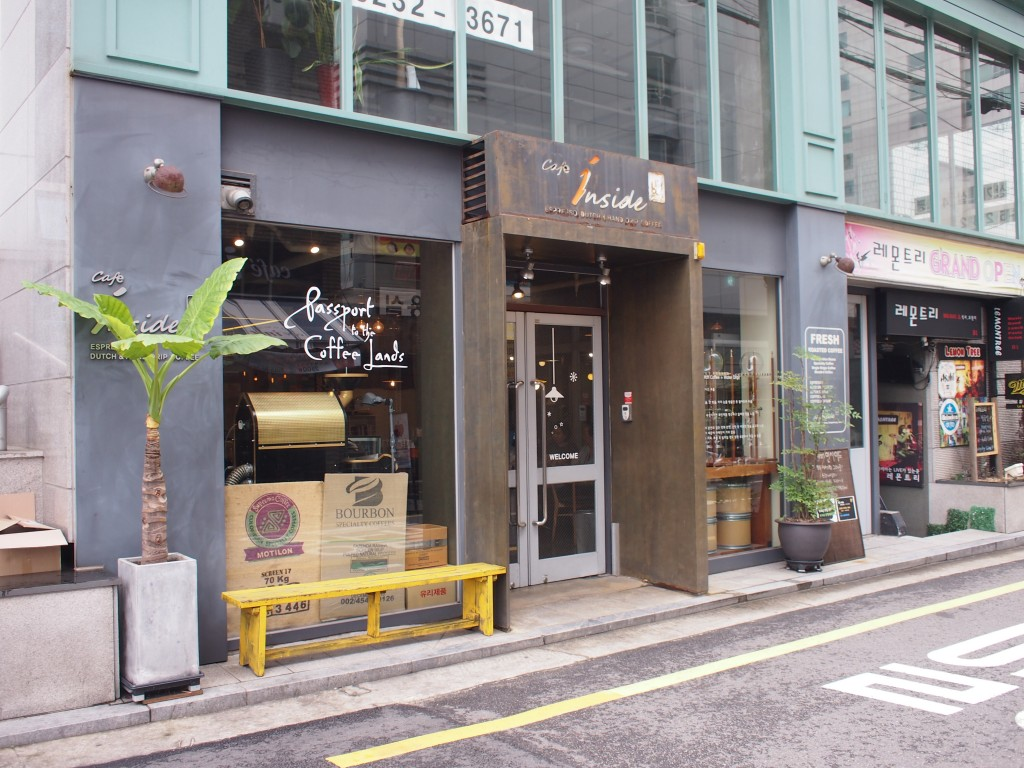 cafe inside外観