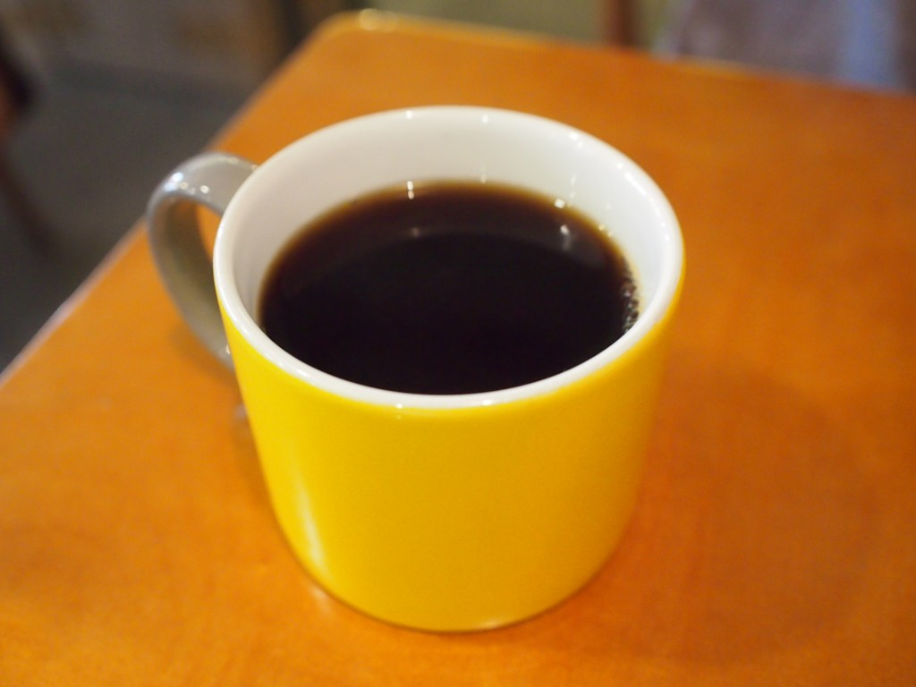 cafe insideケニアコーヒー