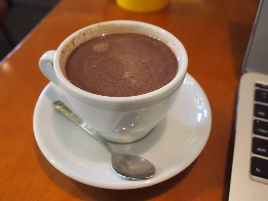 cafe insideカカオラテ