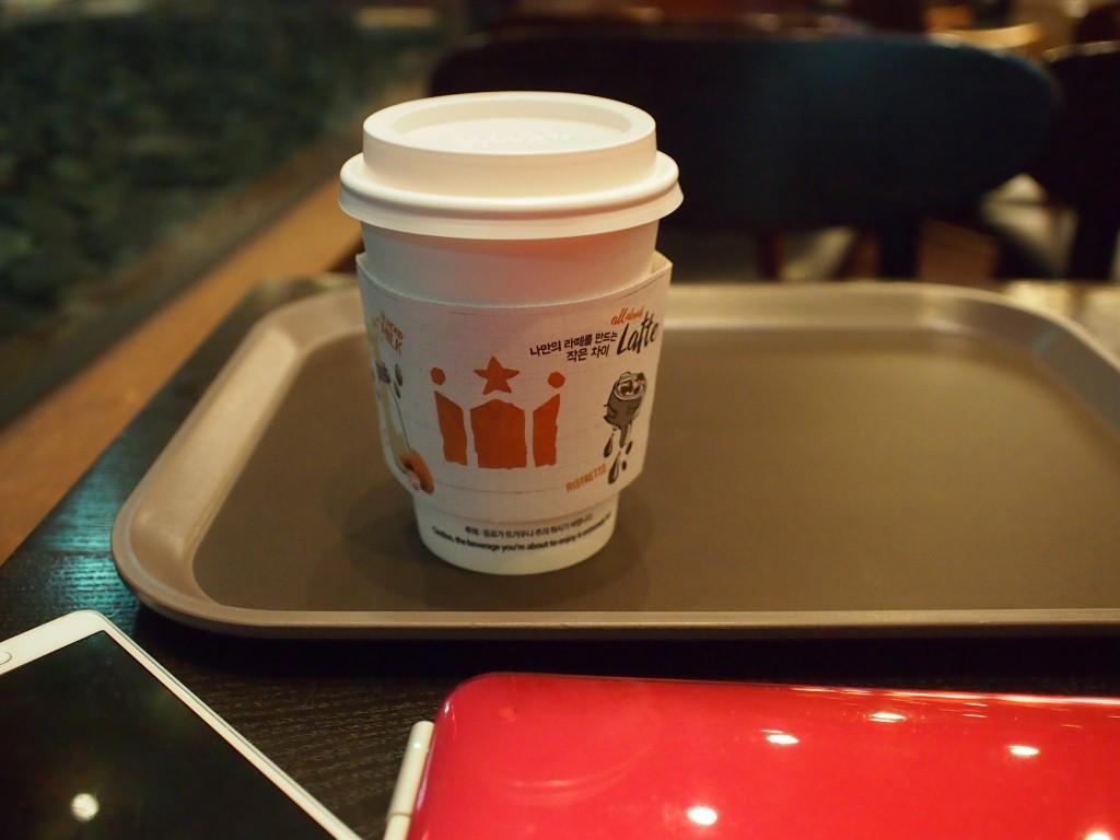 Hollys Coffeeカフェラテ