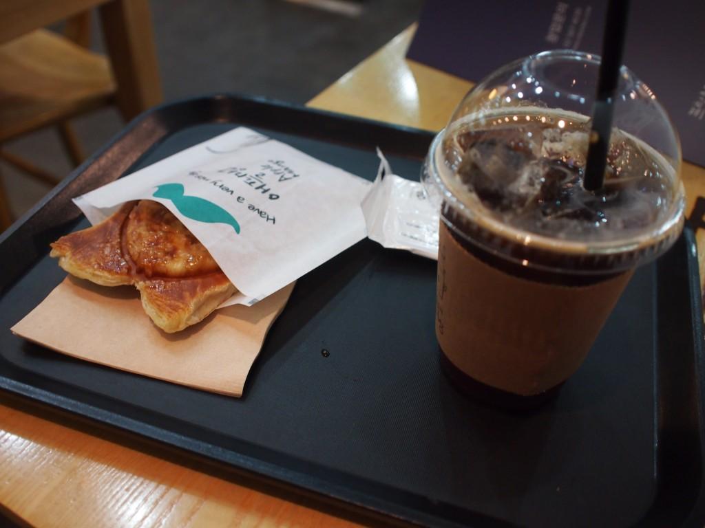 프붕CAFEアップルマンゴーたい焼きパイとコーヒー