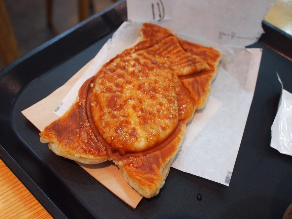 프붕CAFEアップルマンゴーたい焼きパイ