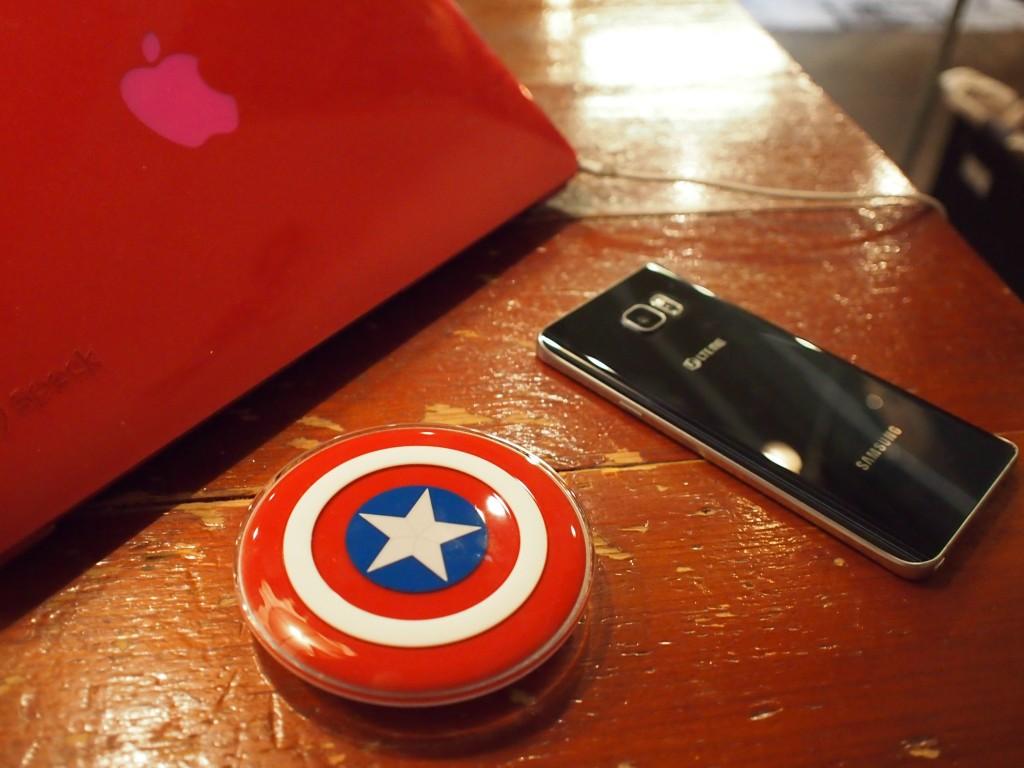 ワイヤレスチャージャーとNote5とMacBook Air
