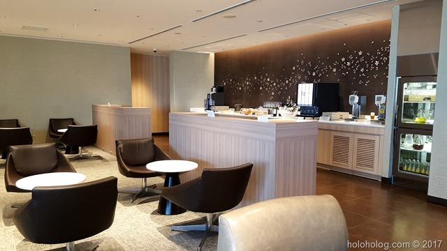 羽田空港国際線JALラウンジ(ビジネスクラス)…シャワーと食事と諸々